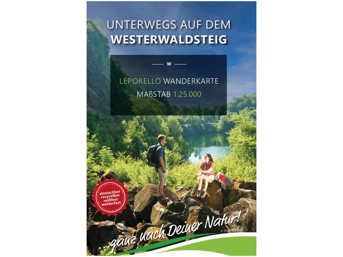 Mit der Leporello-Wanderkarte über den Westerwaldsteig