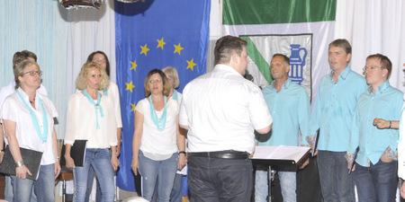 """Hymnen, Hits und Harmonie beim """"CHORamel""""-Jubiläum in Niedererbach"""