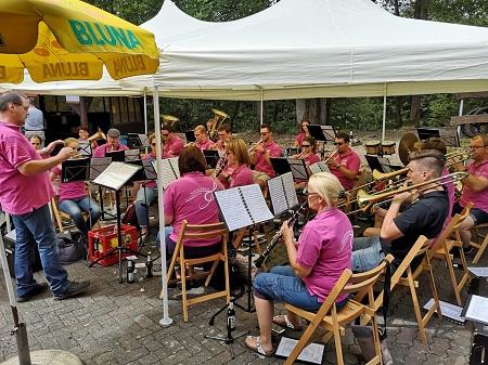Der Musikverein Dermbach feierte sein Waldfest. (Foto: Musikverein Dermbach)