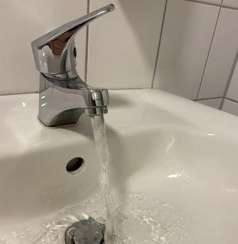 Stillstand in der Hausinstallation gefährdet die Trinkwasserhygiene in Gebäuden