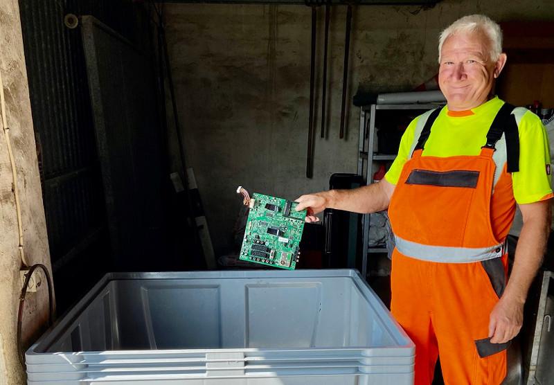 Die Annahmestelle entsorgt nun auch Elektro- und Elektronikkleingeräte. Foto: Privat