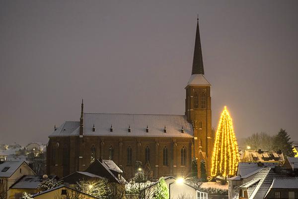 Festlicher Weihnachtsmarkt zum Jubiläumsausklang