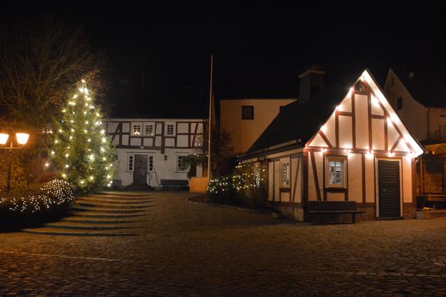 Weihnachtsmarkt in Oberlahr lockt am 2. Advent
