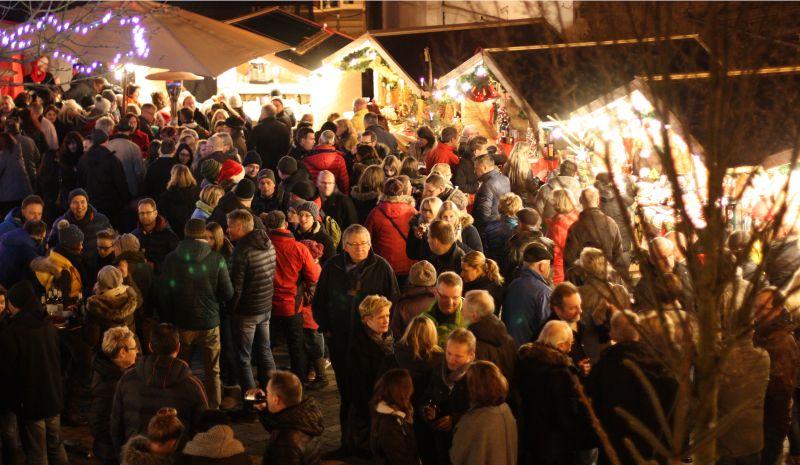 Weihnachtszauber auf dem Töpferplatz in Höhr-Grenzhausen