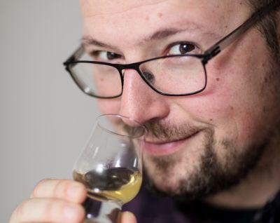 Genussvoll glauben mit Whiskey und gutem Essen