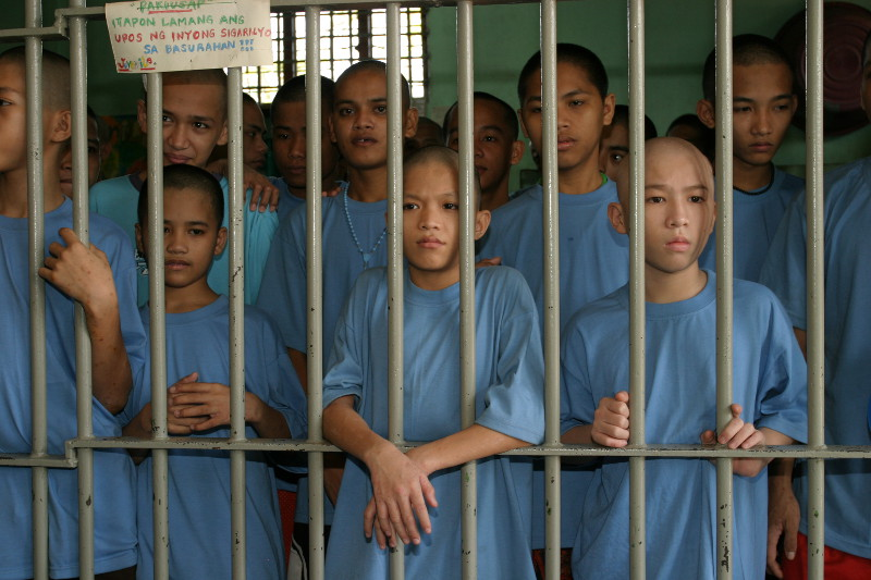 Die Organisation PREDA geht davon aus, dass auf den Philippinen jährlich etwa 20.000 junge Menschen ohne Verurteilung und Prozess inhaftiert werden. Fotos: PREDA