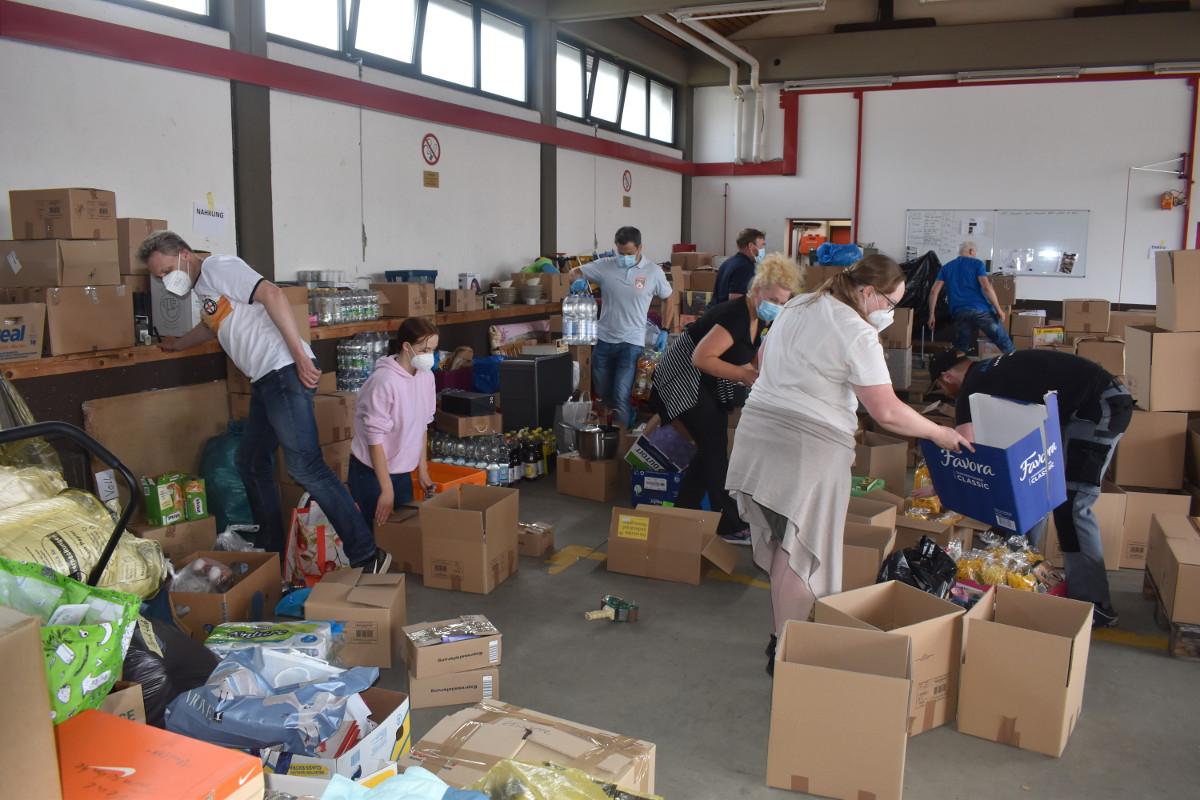 Überflutete Katastrophengebiete: Feuerwehr Wirges organisiert Hilfslieferungen