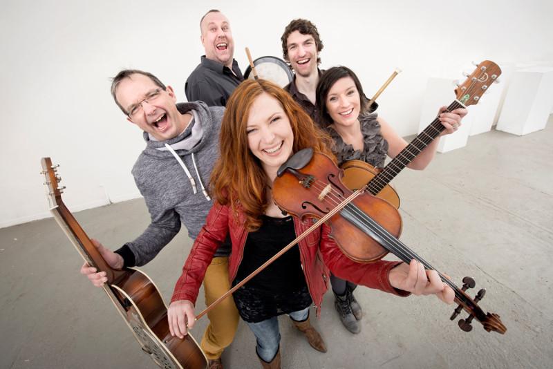 CARA feiert 15 Jahre New Irish Folk
