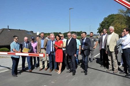 Busbahnhof am Schulzentrum Horhausen offiziell in Betrieb