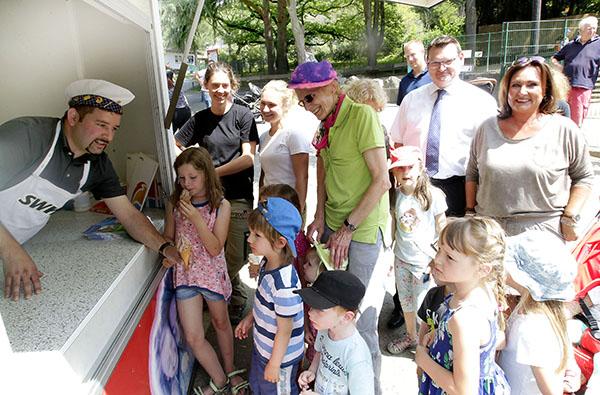SWeNi-Kinderland im Zoo mit großer Schleckerei eröffnet