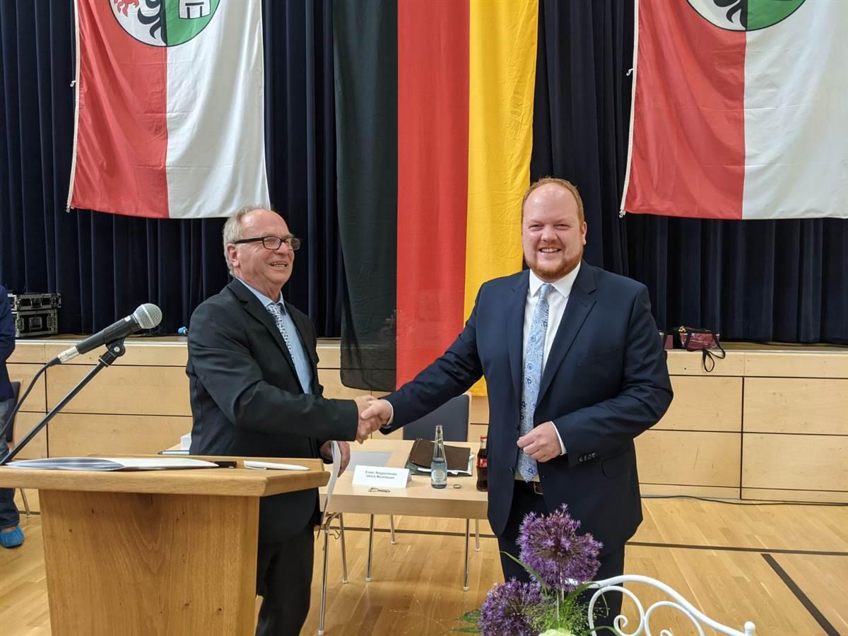 Verbandsgemeinde Kirchen: Hundhausen als Bürgermeister eingeführt