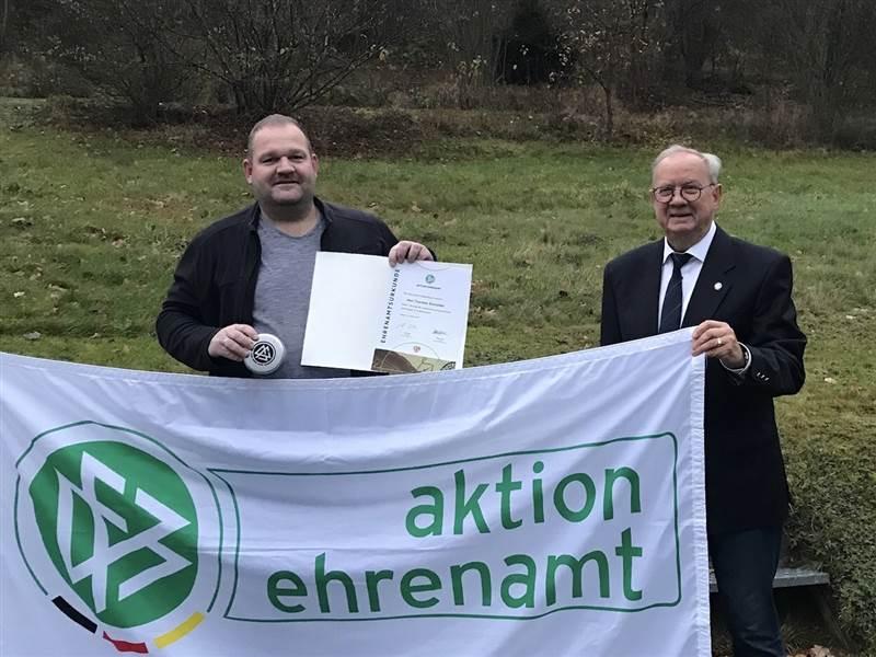 DFB-Ehrung für Bernhard Schmidt und Thorsten Schneider