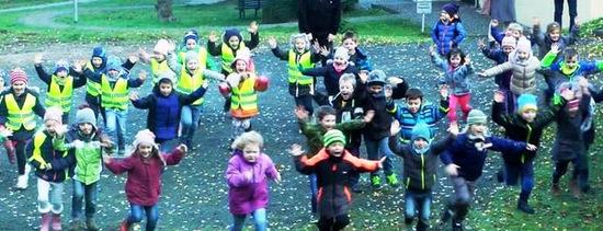 Vorlesetag 2018: Über 800 Kinder im Klosterdorf Marienthal