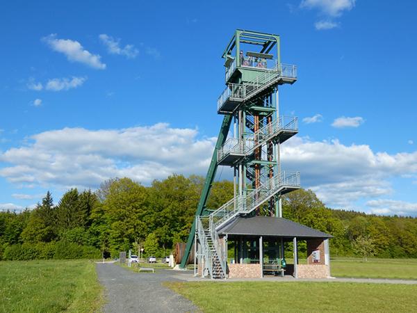 Der Barbaraturm in Malberg - Aussichtsplattform und Rastplatz für Wanderer