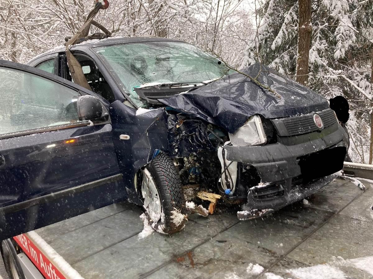 Verkehrsunfälle in Steinebach, Elkenroth und Weitefeld