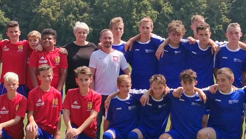 Fußball-Austausch mit Polen: Jugendliche aus dem AK-Land holen den Pokal