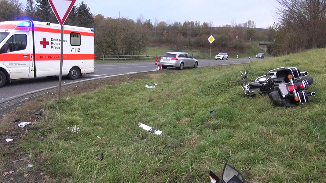 Verkehrsunfall mit schwerstverletztem Kradfahrer bei Westerburg