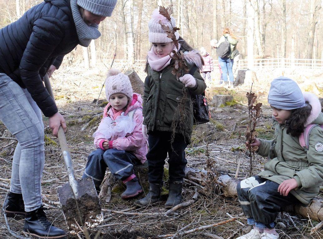 Kita-Kinder sind 500. Baumpaten