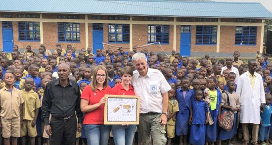 Bazar-Team Elkhausen bei Schuleinweihung in Ruanda