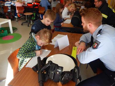 Berufe-Tag in der Grundschule Hamm/Sieg