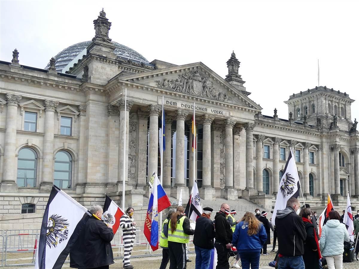 Reichsbürger-Demonstration vor dem Bundestag. (Fotos: ma)
