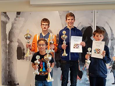 Erfolgreiche Schach-Bezirksjugend-Meisterschaft f�r den SK Altenkirchen