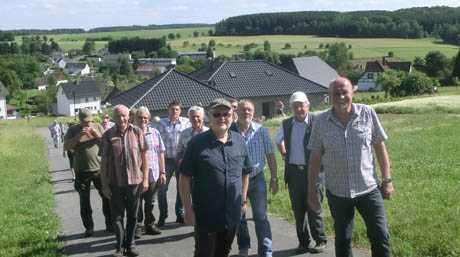 B�rgermeister wanderten nach Mammelzen und S�rth