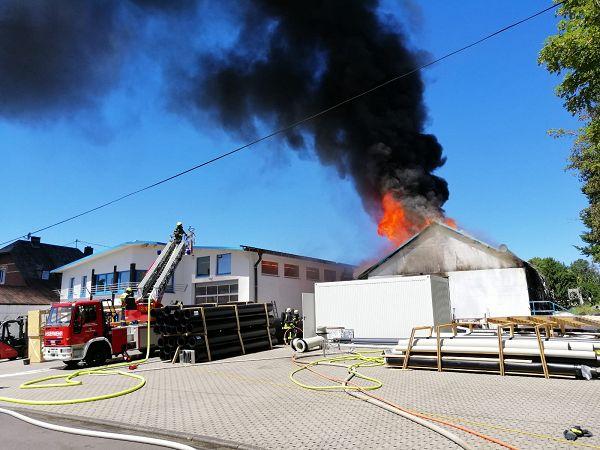 Brand einer Lagerhalle in Rennerod