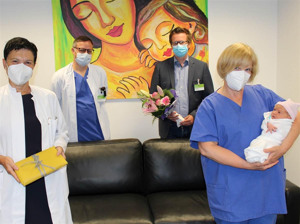 Geburten-Rekord im Diakonie Klinikum Siegen: Kleine Herdorferin ist 1000. Baby