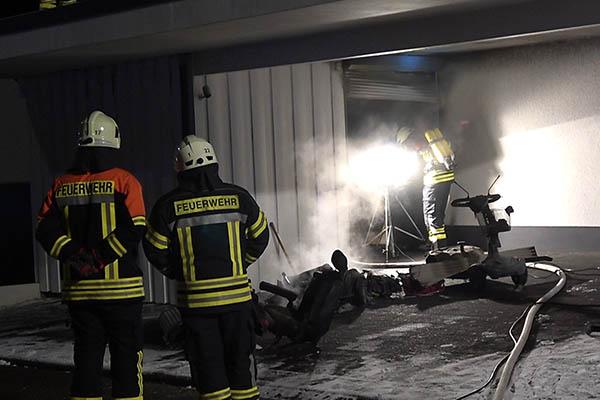 Carport brennt in Höhr-Grenzhausen