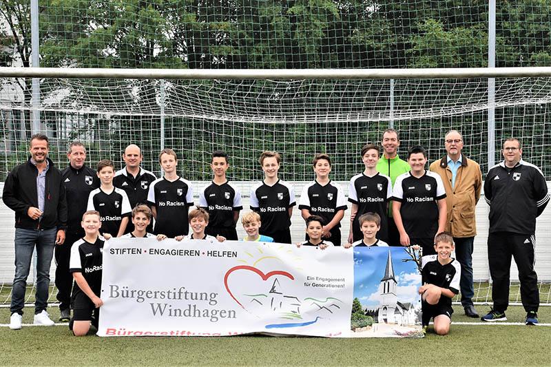 Bürgerstiftung Windhagen unterstützt Jugend des SV Windhagen