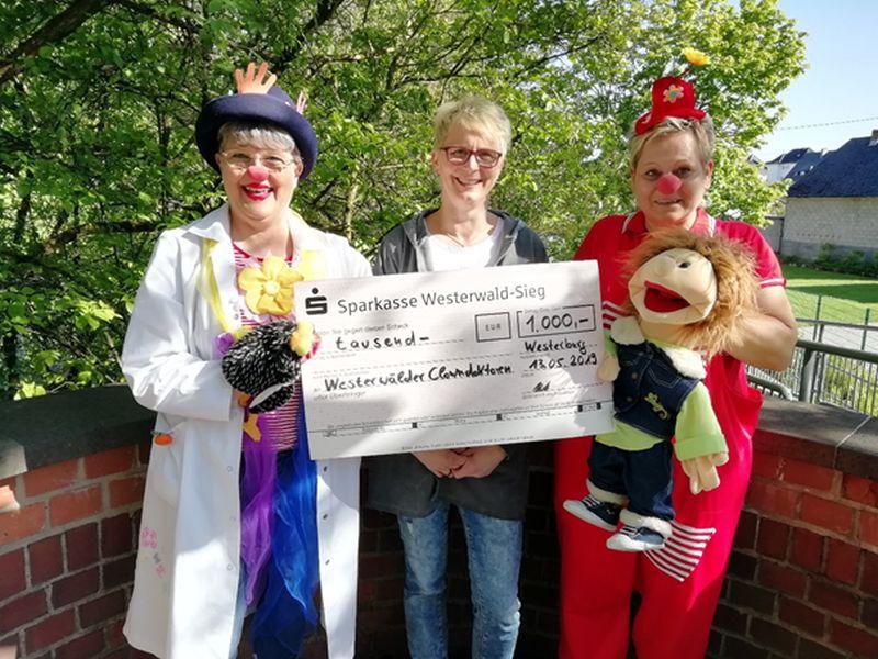 Die Westerwälder Clowndoktoren erhalten großzügige Spende