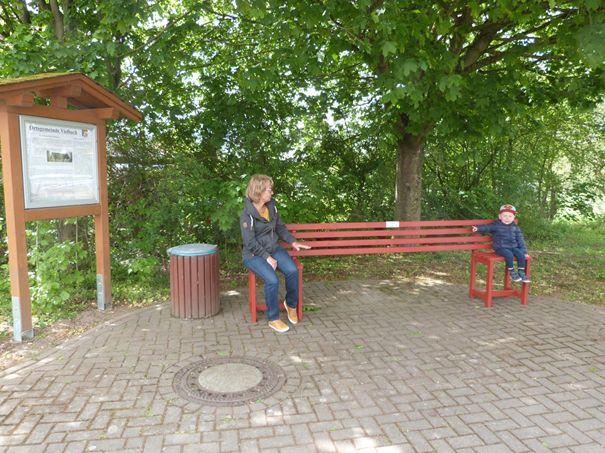 Vielbach hat Corona-Sitzbänke