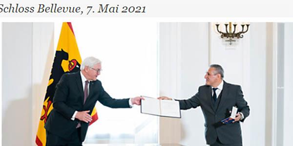 Auszeichnung von Django Heinrich Reinhardt mit dem Verdienstkreuz am Bande. Foto: Bundespresseamt/ Steffen Kugler