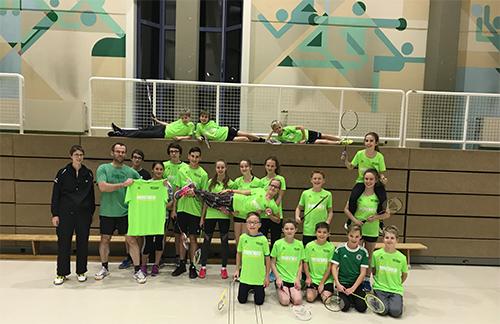 Badmintonjugend erhielt neue Trikots