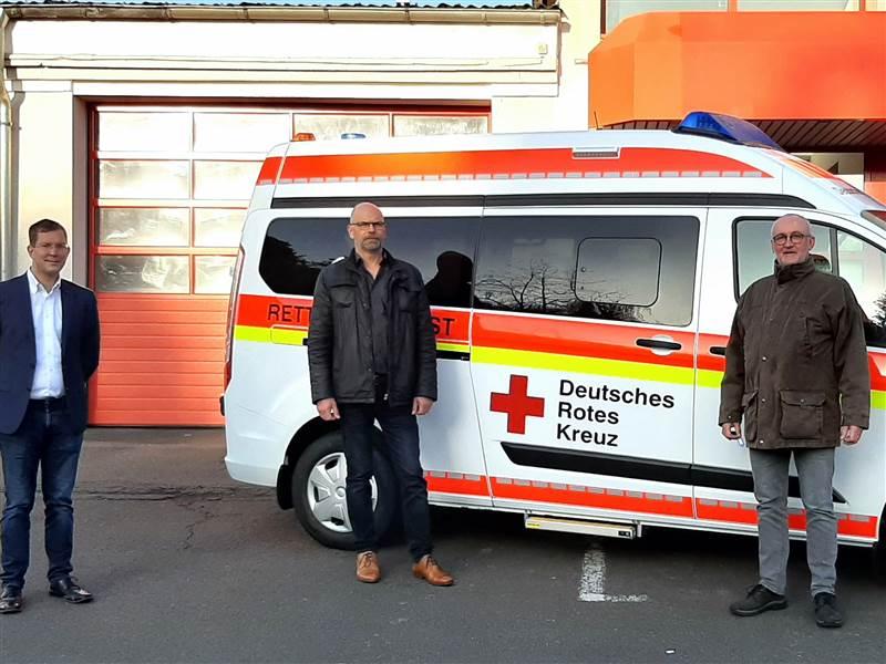 Neues Fahrzeug an die DRK-Rettungswache Daaden übergeben