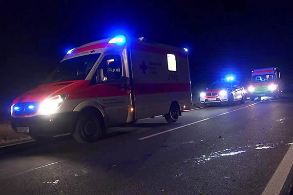 Radfahrer bei Unfall lebensgefährlich verletzt