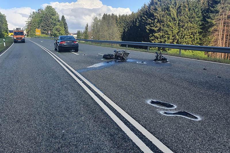 Tödlicher Motorradunfall auf B 414 bei Norken