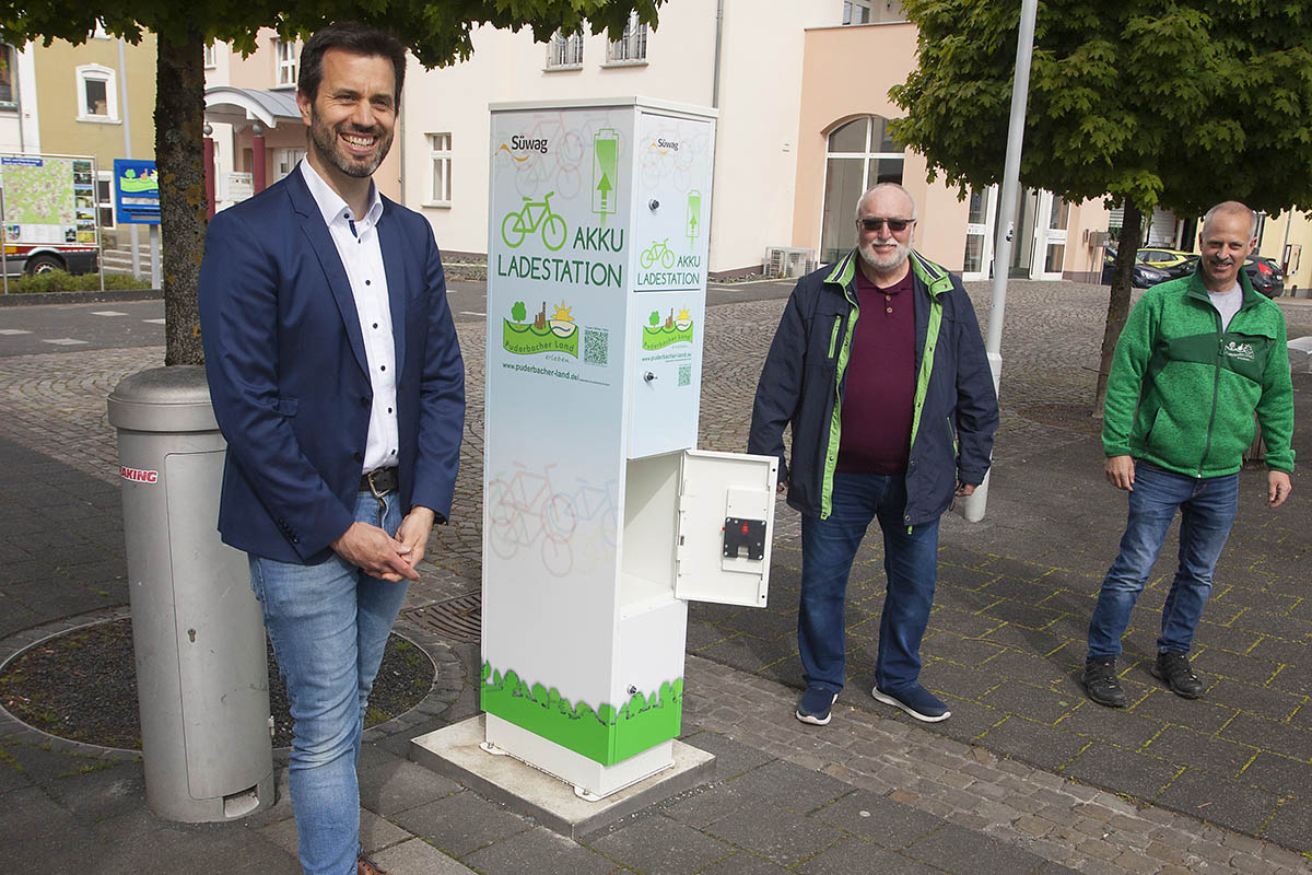 Neue E-Bike-Ladestation in Puderbach in Betrieb genommen