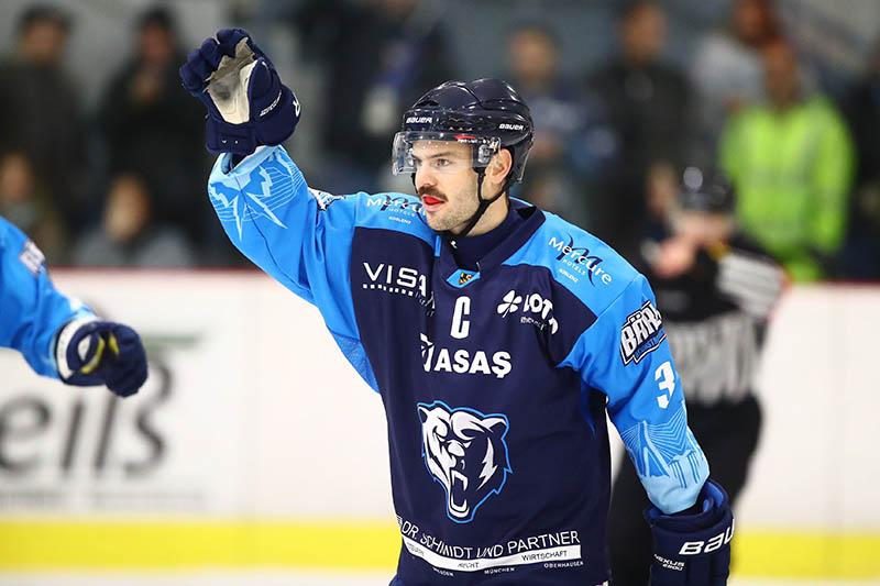 Kapitän Stephan Fröhlich erzielte in Neuwied das Tor zum 4:1 für die Bären. Foto: Verein