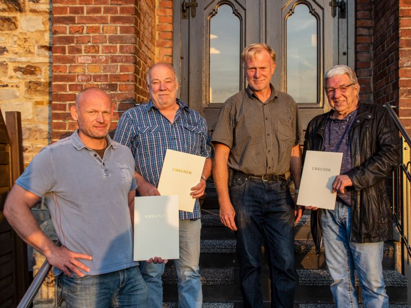 Verabschiedung der ausgeschiedenen Ratsmitglieder in Hundsdorf
