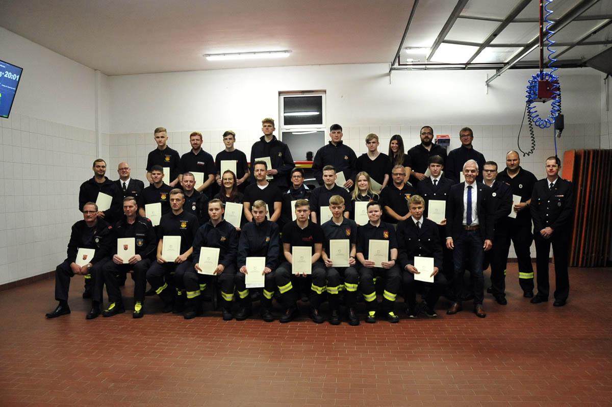 Verpflichtungen und Ehrungen bei der VG-Feuerwehr Altenkirchen-Flammersfeld