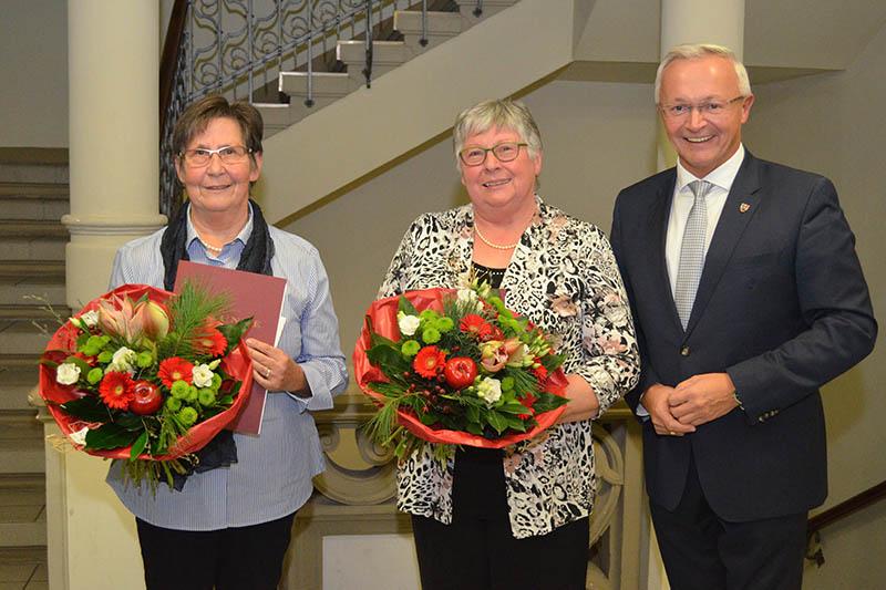 Landrat Hallerbach ehrte verdiente Bürgerinnen aus Bruchhausen
