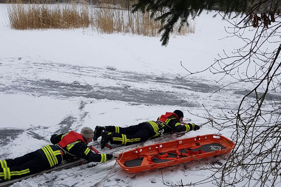 Feuerwehr Krümmel-Sessenhausen on Ice