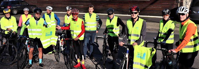 Autos müssen beim Überholen von Radfahrern 1,5 Meter Abstand halten!