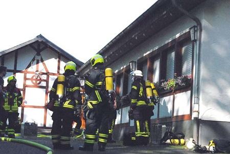 Feuerwehr Mehren übte am Schützenhaus Maulsbach