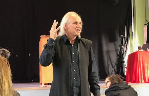Solotheater brachte Goethes Faust auf die Bühne der IGS