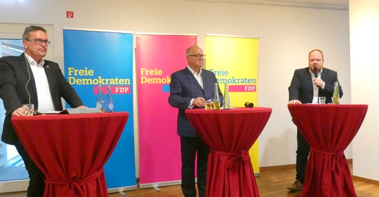 Einer wird es werden: Landratskandidaten Enders und Hundhausen bei der FDP