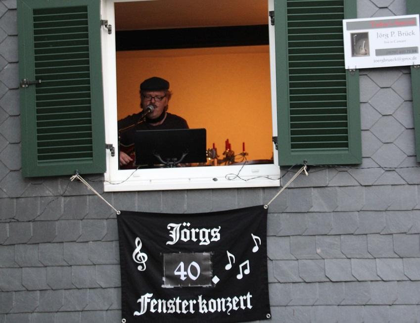 Jörgs Fensterkonzerte: Zum 40. Mal Live-Musik für die Nachbarn