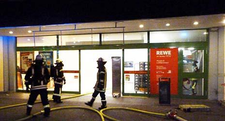 Feuer im Rewe Petz Markt Hamm schnell gelöscht